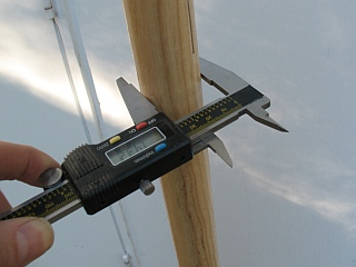 measuring handle diameter with calipers