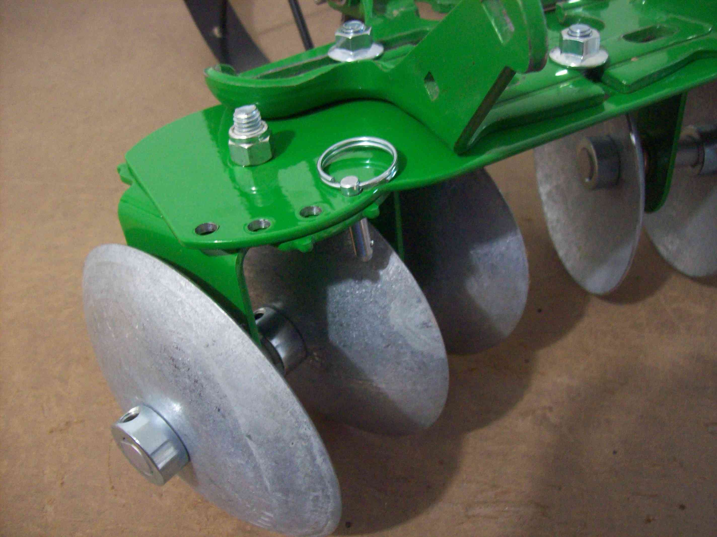Hoss Garden Disc Big Wheel Seeder a sneak peek