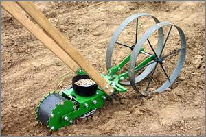 Hoss push planter, Double wheel model