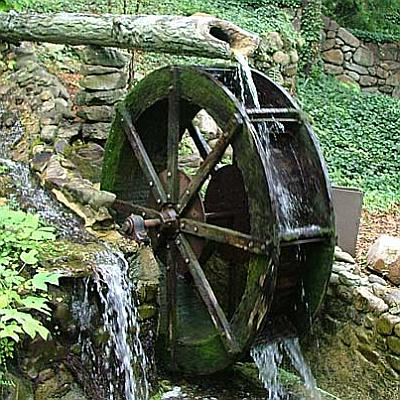 http://www.easydigging.com/images-new/old-fashion-waterwheel.jpg