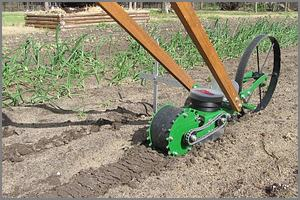 Hoss push planter, Single wheel model